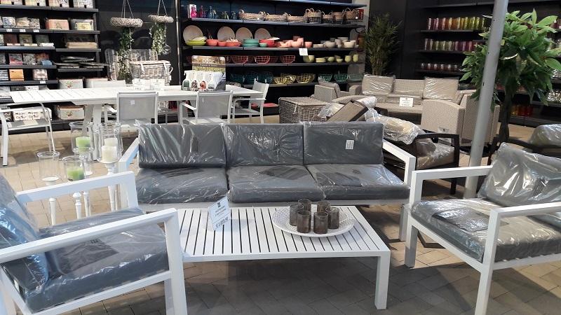 Mobili e arredi da giardino for Occasioni mobili da giardino